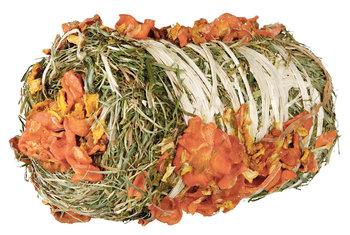 Hooibaal met wortel en pompoen